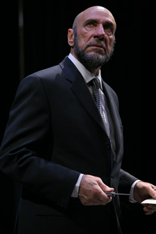 "F. Murray Abraham as Shylock in Shakespeare's ""Merchant of Venice,"" directed by Darko Tresnjak, Theatre for a New Audience, 2007. Photo credit: Gerry Goodstein"